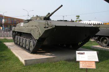 Открытая экспозиция военной техники и фортификации
